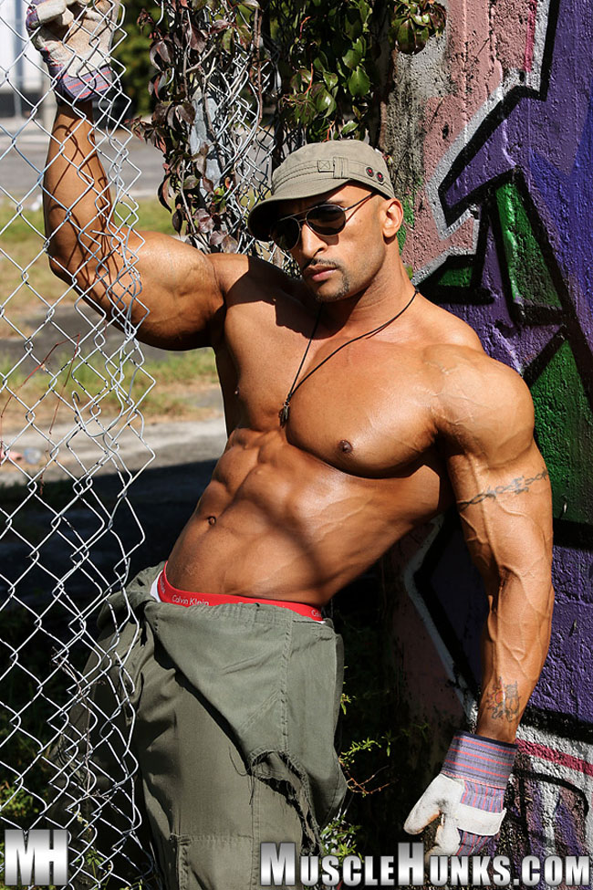 Muscle stud Rico Cane