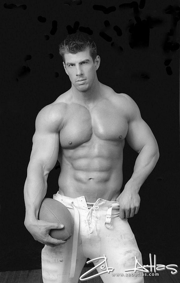 Zeb Atlas - gorgeous in black and white