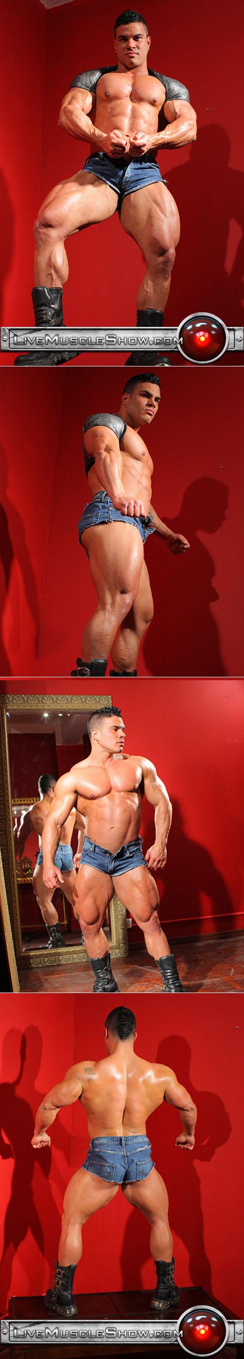 Latin bodybuilder Enzo Piler
